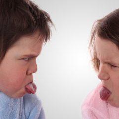Помогнете им на децата успешно да ги решаваат меѓусебните конфликти