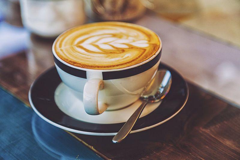 Збогатете го вкусот на утринското кафе на едноставен начин
