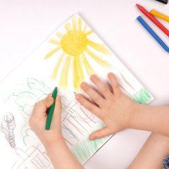 Направете детска изложба во својот двор