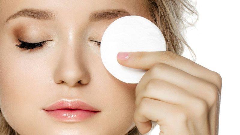 Совети од дерматолозите за убава кожа кои најверојатно не ги почитувате
