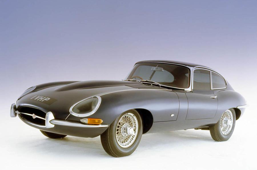 Враќање во живот на Jaguar E-type XKE 4,2 coupe