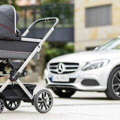 Мерцедес ја претстави количката за бебиња