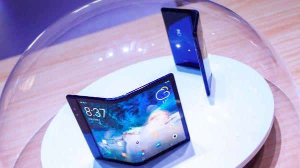 Royole им ги измеша сметките на Samsung и на Huawei
