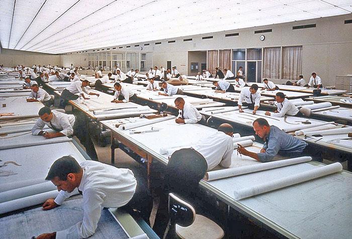 Фотографии кои покажуваат како работеле луѓето пред да се појави AUTOCAD