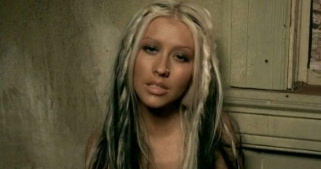 Christina Aguilera – Beautiful
