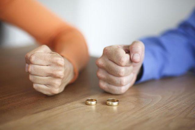 Најчеста причина поради која партнерите се разделуваат