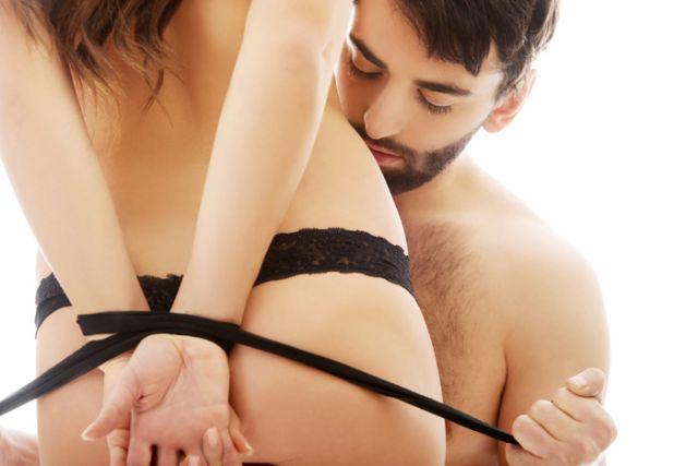 Врели игри во спалната со кои ќе ги истражите своите желби, мечти и фетиши