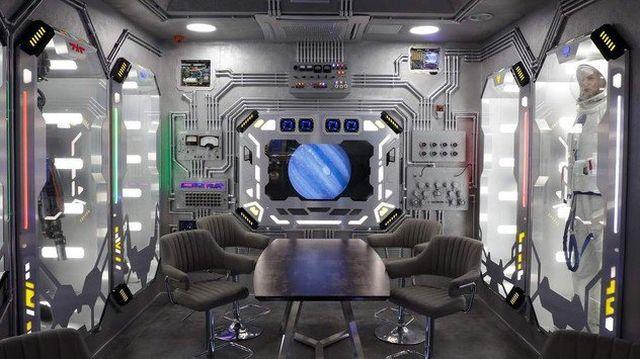 На Крим е отворен хотел со внатрешен дизајн како вселенски брод