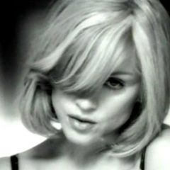 Madonna feat. Massive Attack – I Want You