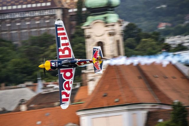 Red Bull Air Race по дванаесетти пат почнува од Абу Даби