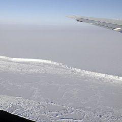 Од Антарктик се одвојува санта мраз двојно поголема од Њујорк