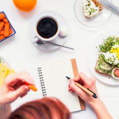 Дуплирајте ја брзината на слабеење со водење на дневник на исхрана