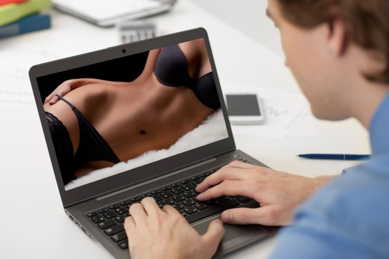 Влијанието на порнографијата врз интимните врски