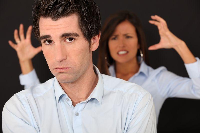 Машки навики што најмногу ги иритираат жените