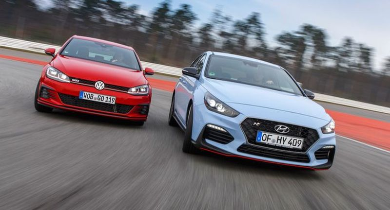 Кој е подобар тркач: Volkswagen Golf GTI TCR или Hyundai i30 N Performance?