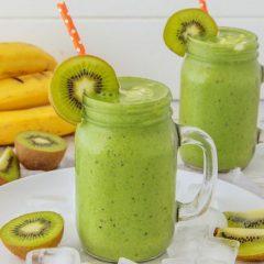 Освежително смуди од банана и киви