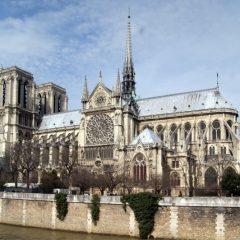 Катедралата Нотр Дам низ историјата