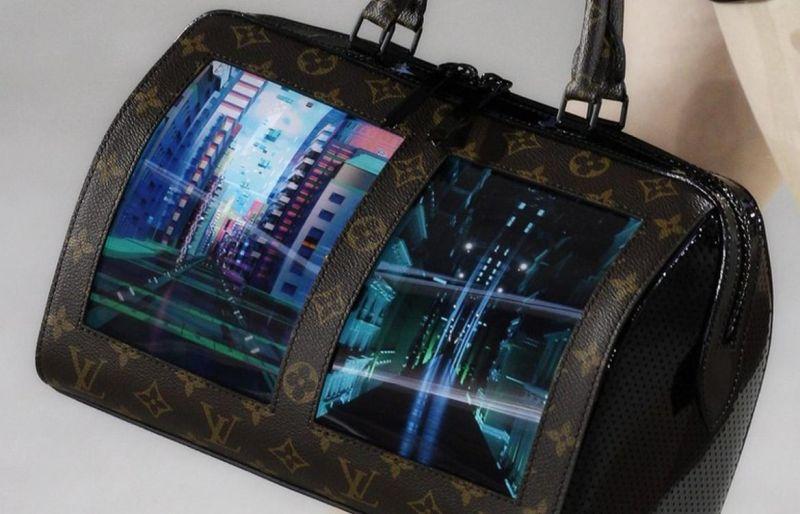 Луи Витон чанта со флексибилен екран