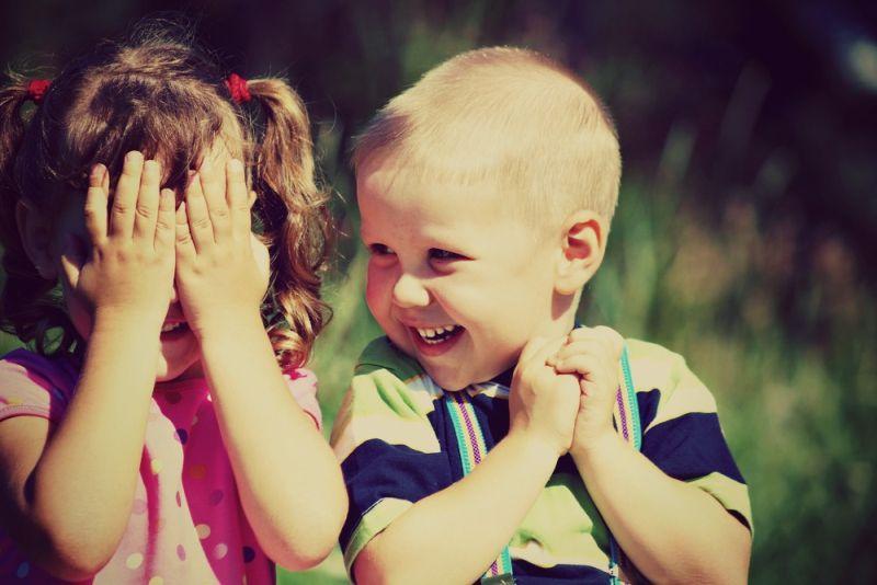 Сексуален развој кај децата: што е нормално, а што не е?