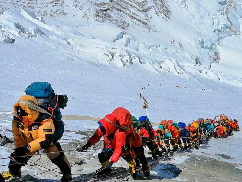 Зошто луѓето умираат на Еверест