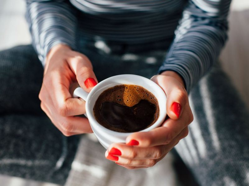 Како влијае првото утринско кафе на мозокот