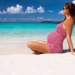 Kако да се заштитите на плажа за време на бременоста