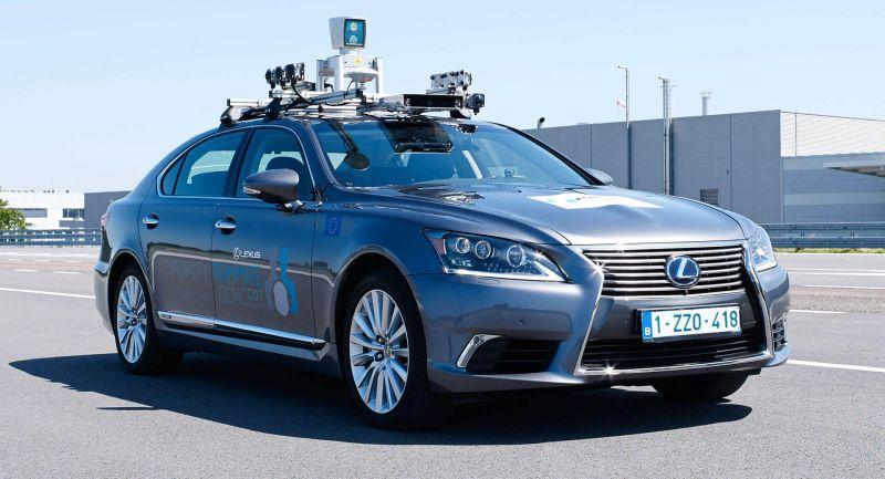 Тојота го извади на улиците на Европа својот прв самовозечки автомобил