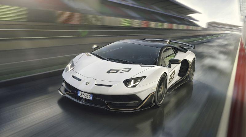 Ламборџини ги претстави специјалните верзии на Aventador и Hurican