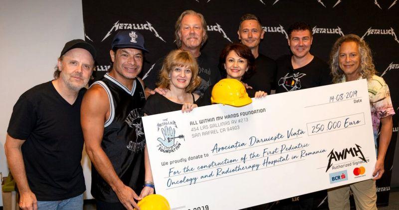 Металика донираше 250 000 долари за Детската онколошка клиника во Романија