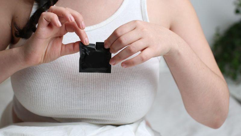 Го уништуваат ли кондомите чувството на задоволство за време на сексот?
