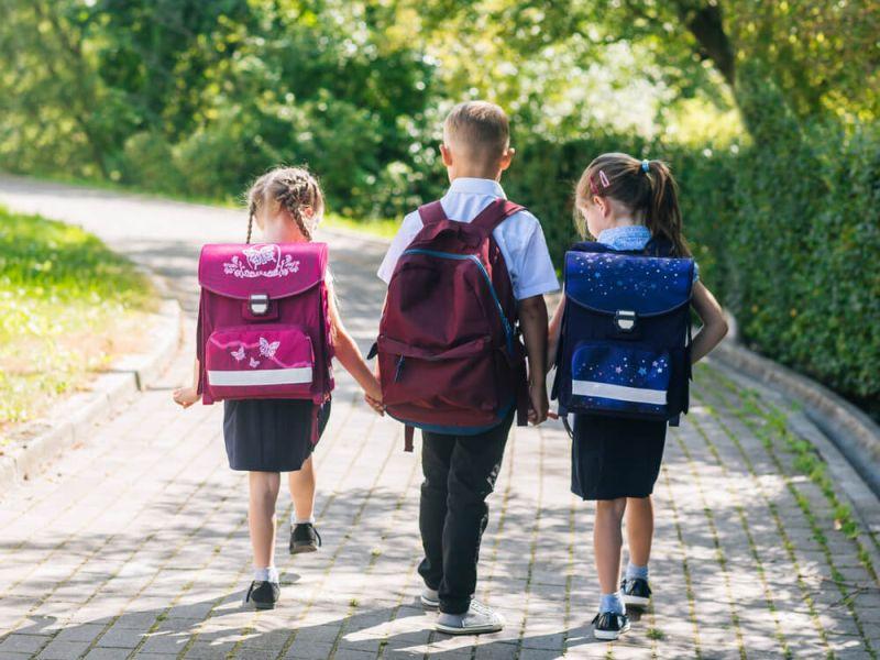 Колку треба да тежи училишниот ранец?