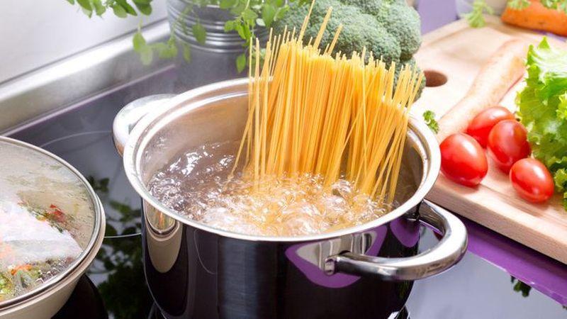 Не ја фрлајте водата во која ги готвите тестенините