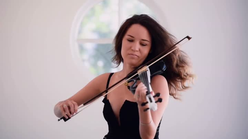 EL BAÑO (Enrique Iglesias ft. Bad Bunny) – Electric Violin Cover | Caitlin De Ville