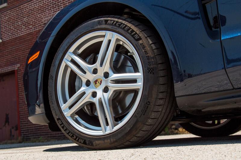Како гумите на автомобилот да ви траат подолго