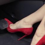 Обувки што не се препорачуваат кога возите автомобил