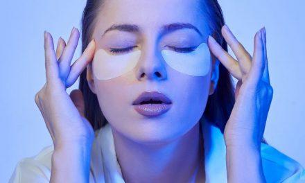Како да ја заштитите кожата на лицето од сината светлина што ја емитираат дигиталните уреди